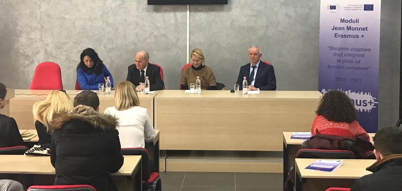 """Takim prezantues i Modulit Jean Monnet, Erasmus+ """"Shoqëria shqiptare drejt integrimit të plotë në familjen Evropiane"""""""