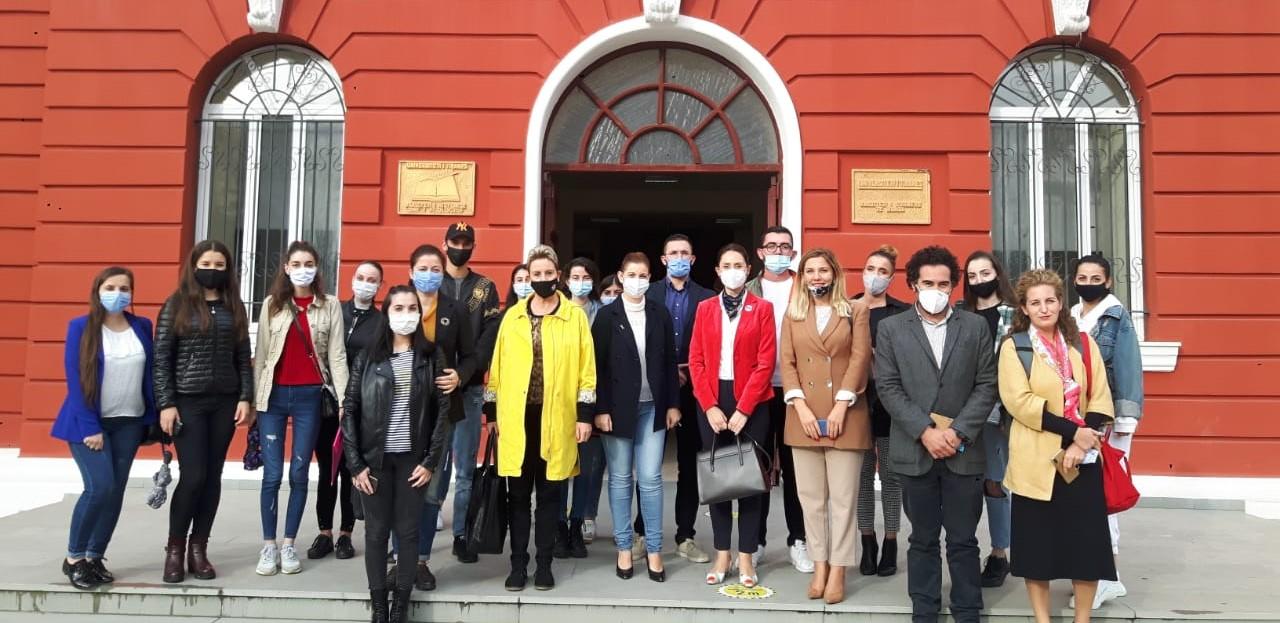 """Takim i hapur """"Eksperiencat Erasmus në sytë e studentëve"""""""