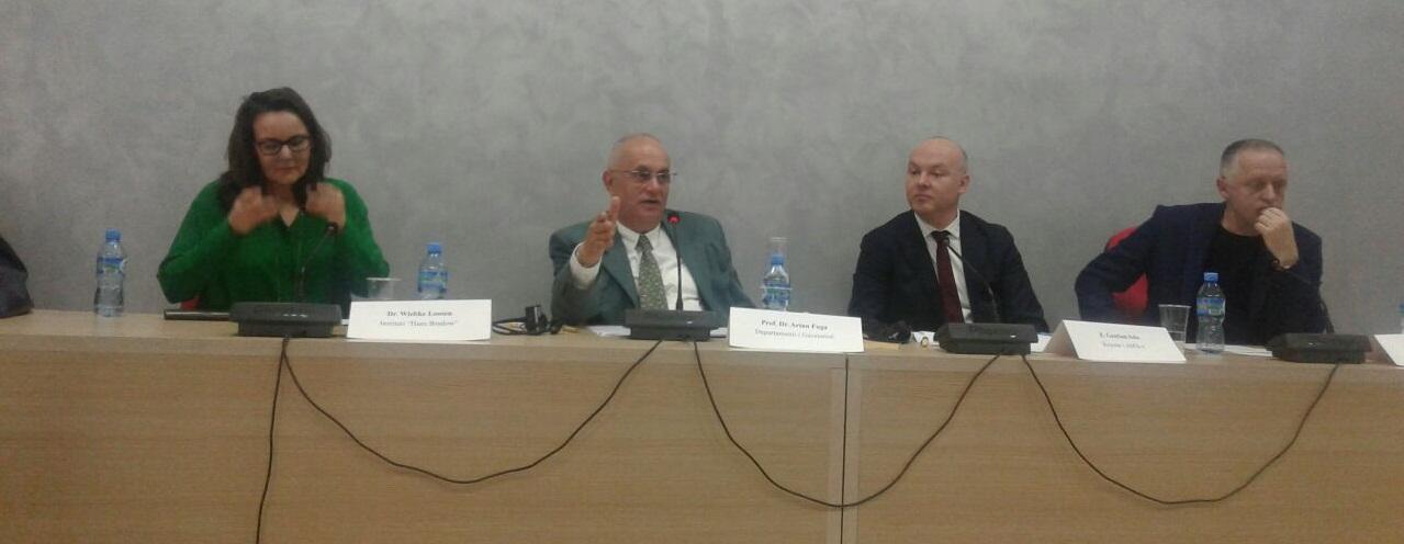 """FHF – Ligjëratë me temë """"Media, gazetaria, demokracia dhe transformimi i opinionit publik"""""""