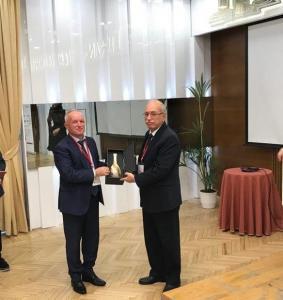 Dekani me Kryetarin e Institutit te Historise ne Turqi