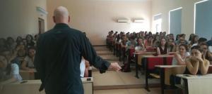 Faktoje.al takim me studentë të gazetarisë nëFHF