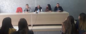 Profesor Nikolla Pano takim me studentët e vitit të parë Bachelor të degës së Historisë